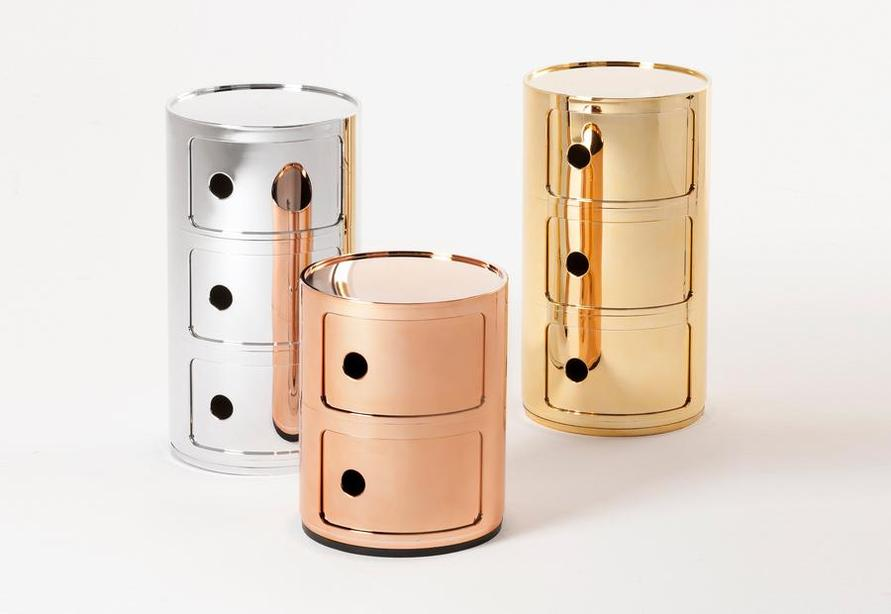 Want to give a gift in the New Year? Call Bello Spazio to order the Componibili by Kartell, designed by Anna Castelli Ferrieri. Our team can't get enough of the modular, metallic containers available in gold, silver, and copper. The design has been lauded for over forty years and recognized at the MoMA and the Centre Georges Pompidou in Paris.